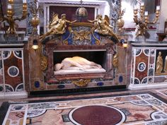 Tomba di Santa Cecilia - Roma   the work was created by Stefano Maderno (1599)