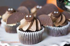 Halloween Bat Cupcak