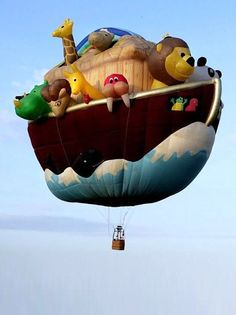 Custom design: A hot air balloon designed to look like Noah's Ark. Air Balloon Rides, Hot Air Balloon, Palm Beach Post, Thanksgiving Parade, Balloon Flights, Air Ballon, Love Balloon, Helium Balloons, Kite