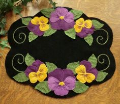 Pansy Beauty Wool Applique Candle Mat Pattern-Cath 's Pennies Designs Penny Rug Patterns, Wool Applique Patterns, Felt Applique, Felt Patterns, Summer Patterns, Embroidery Patterns, Quilt Pattern, Wool Embroidery, Hardanger Embroidery