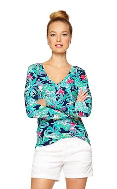 Long sleeve printed tees are a staple for the season. The Jodie top is a v neck and made in our favorite fall prints. Printed long sleeve shirts can be worn as a layering piece or on their own. Perfect.