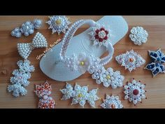 Opçãoes de laços,flores,chinelos bordados - Gleicy Kelly - YouTube Ballerina Silhouette, Shoe Crafts, Summer Diy, Beading Patterns, Crochet Earrings, Slippers, Embroidery, Beads, Jewelry