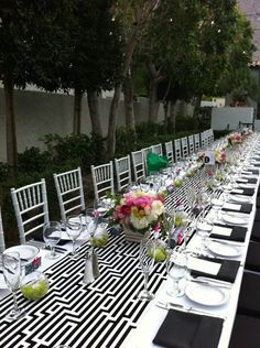 Loving this modern, graphic wedding tablescape from a wedding we worked on today @ the Viceroy Palm Springs! by jasmine