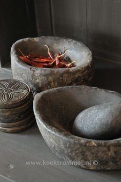 zeer oude vijzels uit Nepal