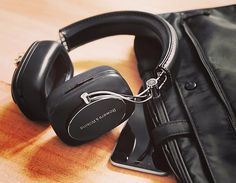 Call in to the showroom and try out the wonderful @bowerswilkinsau P7 Wireless Hi Fi headphones. This extremely light and comfortable headphone not only sounds great but has its fair share of wow factor in head turning looks. #headphones #coffscoast #coffsharbour #hiresaudio #installation #integration #lifestyle via Headphones on Instagram - Best Sound Quality Audiophile Headphones and High-Fidelity Premium Earbuds for Hi-Fi Music Lovers by AudiophileCans