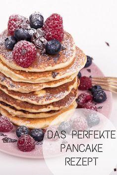 Josie loves Breakfast: My pancake recipe - Josie Loves- Josie loves Breakfast: Mein Pancake Rezept – Josie Loves The perfect pancake recipe: The ingredients for this breakfast recipe can be found on josieloves. Best Pancake Recipe Fluffy, Perfect Pancake Recipe, Clean Eating Pancakes, Low Carb Pancakes, Healthy Dessert Recipes, Baking Recipes, Cookies Healthy, Smoothie Recipes, Easy Recipes