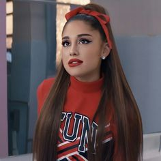 You are going to find interesting and appealing women hairstyle models that. Ariana Grande Cute, Ariana Grande Photos, Justin Bieber, Ariana Grande Wallpaper, Jennie Garth, Model Look, Dangerous Woman, Shows, Drew Barrymore