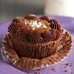 These decadent Salted-Caramel and Bourbon Cupcakes have a gooey caramel center. Recipe: http://www.bhg.com/recipe/cupcakes/salted-caramel-chocolate-bourbon-cupcakes/?socsrc=bhgpin060412