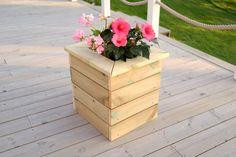 Small homemade flower box. DIY