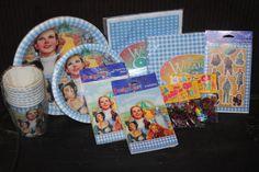 "Wizard of Oz ""DesignWare"" Party Supplies Dorthy Wizard Of Oz, Wizard Of Oz Collectibles, Twinings Tea, Tea Tins, The Wiz, Make Me Smile, Party Supplies, Verses, Mason Jars"