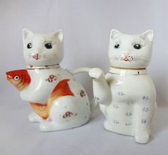 Pair of VINTAGE kitten Teapots, Whimsical Ceramic Vintage Teapots, Chinese Ceramic Cat Tea Pots Vintage Antiques, Vintage Teapots, Chinese Ceramics, Sell On Etsy, Kitten, Cat, Whimsical, Vintage Outfits, How To Make