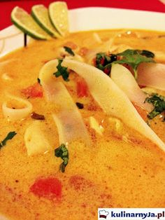 Tajska zupa z mlekiem kokosowym i kurczakiem Thai Red Curry, Spicy, Food And Drink, Ethnic Recipes, Drinks, Drinking, Beverages, Drink, Beverage