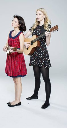 Riki Lindhome and Kate Micucci in Garfunkel and Oates Kate Micucci, Comedy Duos, Comedy Scenes, Riki Lindhome, Upright Citizens Brigade, Fred Savage, Improv Comedy, Play That Funky Music, Quirky Fashion