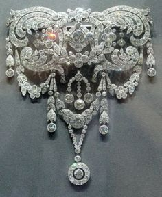 Cartier brooch - Oh My!  This is spectacular!