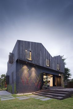 Twin Peaks House in Australia by Jackson Clements Burrows Architects