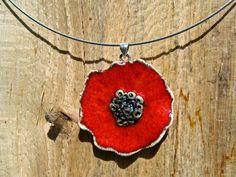 http://fr.dawanda.com/product/28191697-collier-coquelicot-poppy-rouge-ceramique-pendatif
