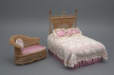 Good Sam Showcase of Miniatures: At the Show - Wicker bed and ornate antique Victorian wicker lounge. Miniature Rooms, Miniature Furniture, Dollhouse Furniture, Barbie Furniture, Bedroom Furniture, Home Furniture, Wicker Furniture Cushions, Barbie Bedroom, Diy Dollhouse