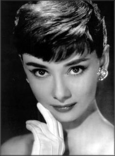 A tribute to the old Hollywood stars list~Audrey Hepburn