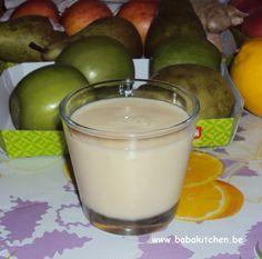 smoothie ananas coco  un quart d'ananas * 2-3càs lait de coco * un verre d'eau éventuellement * quelques glaçons (facultatif, l'ananas et le lait de coco étaient au frigo c'était suffisant)  --> on passe le tout au blender et hop ! c'est prêt !!