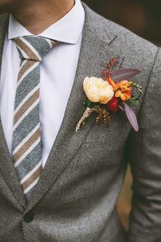 Vintage Wedding Suits, Wedding Tux, Wedding Attire, Best Wedding Suits, Rustic Wedding Groom, Groom Attire, Groom And Groomsmen, Groom Suits, Modern Groom