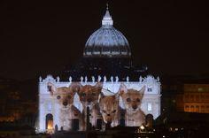 """Giubileo, sulla Basilica l'Arca di Noè: api, lupi e delfini in omaggio al papa """"ecologista"""""""