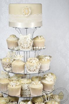 Cameo Cupcake Tower  Cake by YellowBeeCakeCompany - Stand by Wedding Acrylics Mirrored, round http://www.weddingacrylics.co.uk/round-cupcake-stands/005-7-R-WA.html