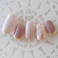 10枚セットの価格です。こちらはベースからジェルを使用してのネイルチップです。実際にネイルサロンで使用している材料で作成します。ジェルならではの、ツヤ感、手触りがお楽しみいただけます☆サイズについて☆ちび爪(SS).ショート.オーバルからお選び頂けます。... Chic Nails, Glam Nails, Nail Manicure, Beauty Nails, Funky Nails, Love Nails, Pretty Nails, Japan Nail Art, Asian Nails