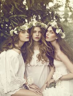 free-flowing hair and florals (maybe not around the whole head)- bridesmaids/ maids of honour