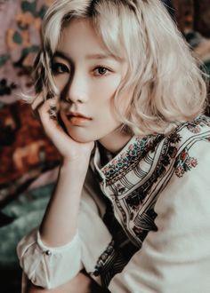 Girls' Generation ..la lider unnie taeyeon