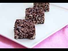 How to make puffed wheat cake, gluten free style! Remember how yummy puffed wheat cake was as a kid? These amazing Gluten Free Puffed Oat Squares are exactly the same but gluten free. Puffed Wheat Cake, Puffed Wheat Squares, Gluten Free Recipes Videos, Desserts Ostern, Energy Bars, Family Meals, Food Videos, Food To Make, Delish