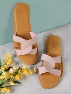 Surf womens event shoes, clean water flip flops, & more built for coziness & sturdiness. Shoes Flats Sandals, Pink Sandals, Cute Sandals, Sport Sandals, Leather Sandals, Women Sandals, Shoes Women, Shoe Tailor, Business Casual Outfits For Women