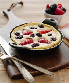 Mixed Berry Dutch Baby Pancake