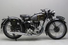 Yesterdays antique motorcycles buying and selling antique motorcycles and related items Ajs Motorcycles, Antique Motorcycles, British Motorcycles, Bobber Style, Bobber Chopper, Motorcycle Art, Classic Bikes, Vintage Bikes, Custom Bikes
