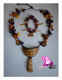 Colección ORIGENES Taller de Diseños Atavíos de la Mussa 2014  OFICIO: Bisutería TÉCNICA: Enchapado LINEA DE PRODUCTO: Accesorios MATERIALES: bolas de madera,semillas de durazno,tagua,bombona,coco,nacar,cristales de murano,piedras semipreciosas Piezas de Diseño con Identidad !! CONTACTO; DIANA MARIA VARELA( ataviosdelamussa@yahoo.es) También nos puedes encontrar en PINTEREST;
