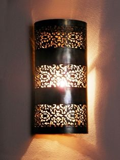 Moroccan Wall Light, Sconce delicately chiselled patterns. Moroccan Decoration