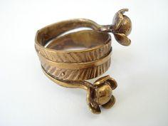 Vintage Seppo Tamminen Finland Bronze Flower Modernist Ring Sz via Etsy. Metal Clay Jewelry, Jewelry Art, Vintage Jewelry, Jewelry Design, Fashion Jewelry, Jewellery, Bronze Ring, Viking Jewelry, Or Antique