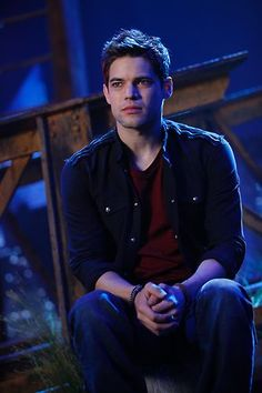 "I love his voice so much! Jeremy Jordan as Jimmy on Smash :) episode ""The Fringe"" #Smash"