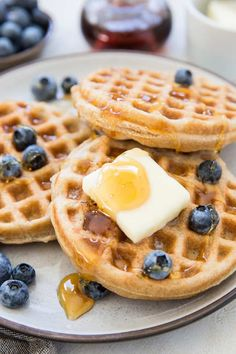 The BEST gluten-free waffles recipe made with basic pantry ingredients. This easy and amazing recipe yields perfectly crispy yet moist and fluffy waffles! Gluten Free Waffles, Gluten Free Flour, Gluten Free Baking, Gluten Free Recipes, Krusteaz Gluten Free Waffle Recipe, Healthy Recipes, Paleo Baking, Lactose Free, Easy Waffle Recipe