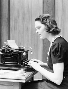 La 'A' y la 'Ñ' eran digitadas con dolor en el duro teclado por el dedo meñique, ¿lo recuerdan?