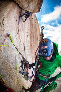 Ethan Pringle & Mike Libecki on the Dragon Back Ridge, Greenland photo: Keith Ladzinski