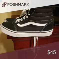 72d13f421d66 Shop Kids  Vans Black White size Sneakers at a discounted price at Poshmark.  Description  Great condition worn maybe 3 times.