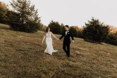 """ARKANSAS WEDDING PHOTOGRAPHER on Instagram: """"Today I just wanna stay in bed forever under my heated blanket and watch movies. i'm sure you've all seen my dramatic 4am IG story where…"""" Heated Blanket, Stay In Bed, Ig Story, Arkansas, Movies To Watch, Photography, Wedding, Instagram, Valentines Day Weddings"""