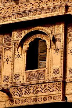 Ornate Window in Jaisalmer, India (backpacker - myworldview) Sliding Door Design, Sliding Barn Door Hardware, Sliding Glass Door, Front Door Steps, Double Front Doors, Holiday Door Decorations, Rustic Closet, Light Art Installation, Bedroom Door Signs