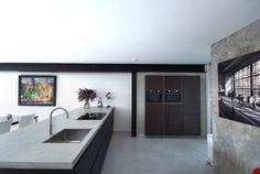Comprex kitchen. A loft in Rotterdam, Holland. www.artdesignwonen.nl #kitchen #comprex #loft