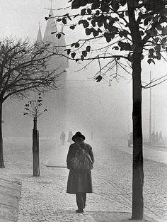 Dr. Paul Wolff & Alfred Tritschler Autumnal Atmosphere in Frankfurt, 1930s