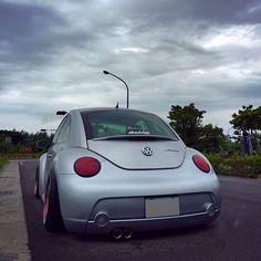 "95 Likes, 8 Comments - 吳柏澄 (@p123246178) on Instagram: ""什麼時候曾幾何時,這社會變成 錢在做人 #台灣 #臺灣 #Taiwan #vw #volkswagen #vwbeetle #volkswagenbeetle #newbeetle #Beetle…"""