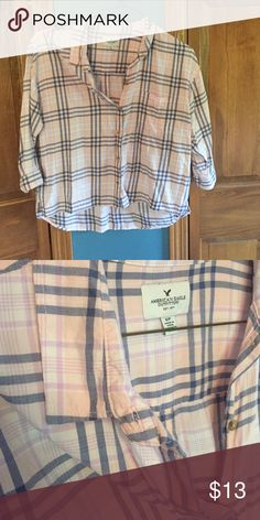 American Eagle Plaid Shirt Like new! Look to bundle with other American Eagle items! Flowing Fit American Eagle Outfitters Tops Button Down Shirts