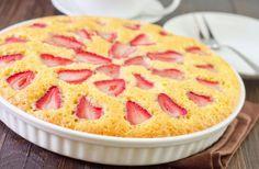Koláč s jahodami Czech Recipes, Ethnic Recipes, Hawaiian Pizza, Apple Pie, Vanilla Cake, Macaroni And Cheese, Ale, Food, Basket