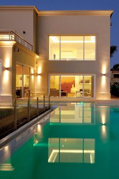 Modern home in Buenos Aires. Architect: Architect Daniel Tarrio y Asociados Modern Exterior House Designs, Commercial Architecture, House 2, Villa, Therapy, Mansions, Bedroom, House Styles, Home Decor
