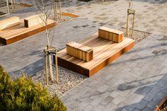 3XA ha trasformato un lotto vuoto nel centro di Gora Pulawska, in Polonia, in una nuova piazza suddivisa in diverse zone, dedicate al tempo libero o ad attività ricreative.
